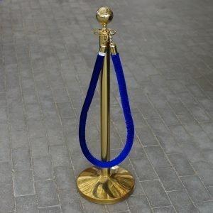 Royal stander 2 stk. messing med 1 stk. blåt tov
