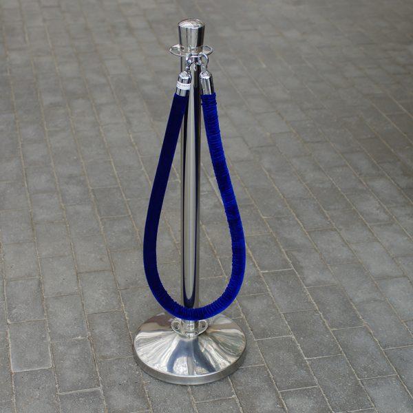 Royal stander 2 stk. steel med 1 stk. blåt tov